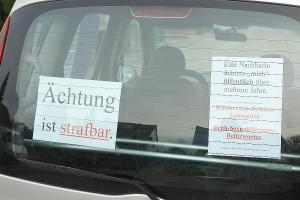 Aufdecken. Im ARCHE-Auto. ARCHE kid - eke - pas Doppel-Muttermord durch Kinderraub und Ächtung_02