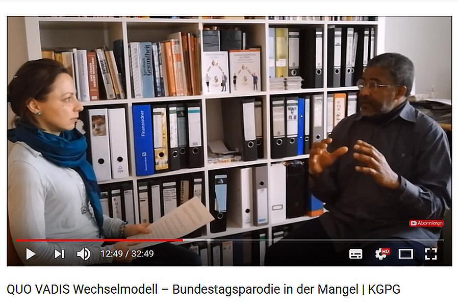 Anita Hoffmann interviewt den Buchautor Yves-Jacqaues Yapi, ehemals Mitglied des VAfK Berlin.