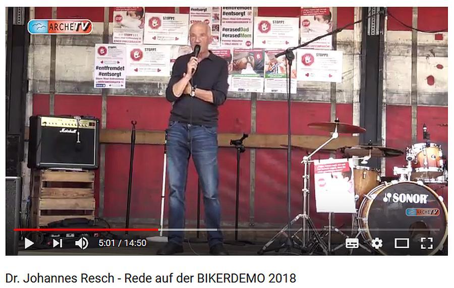 """Dr. Johannes Resch. Der Verband Familienarbeit e.V. vertritt ALLE Eltern ! - Dr. Johannes Resch ist seit 40 Jahren aktiv in der Thematik Familie - Bindung. """"Im Umgang zwischen Staat und Familie stimmt etwas nicht."""" Das war der Ausgangspunkt für Dr. Resch aktiv zu werden."""